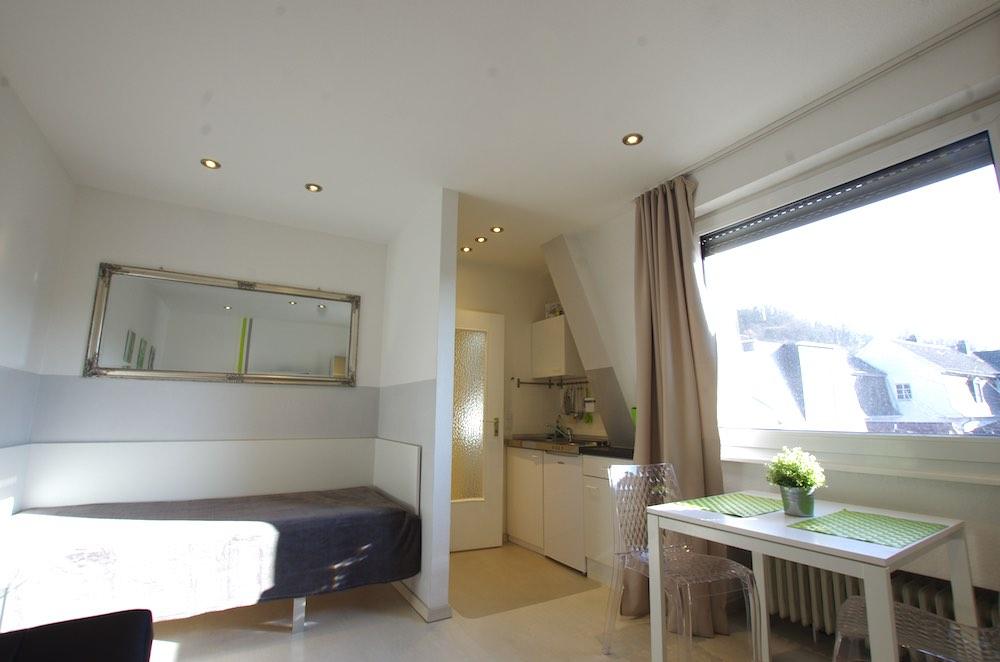 ferienwohnung innenstadt homburg. Black Bedroom Furniture Sets. Home Design Ideas